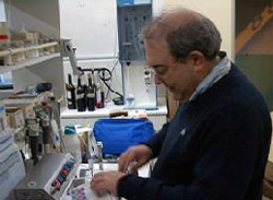 Pepe Gracia in the BIOENOS, S.L. Laboratories